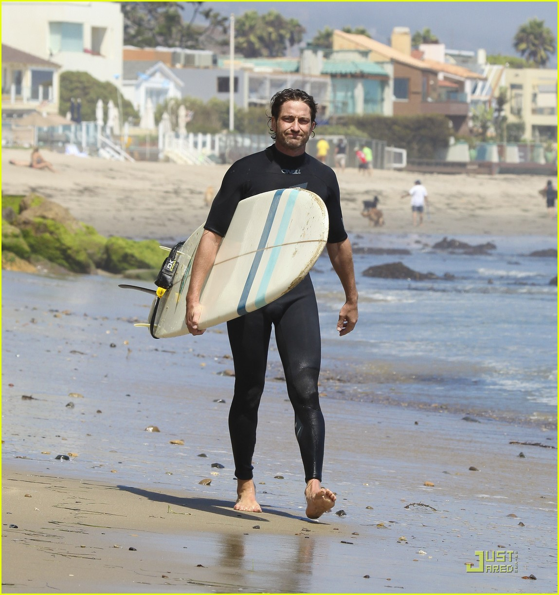 gerard butler surf coffee 28