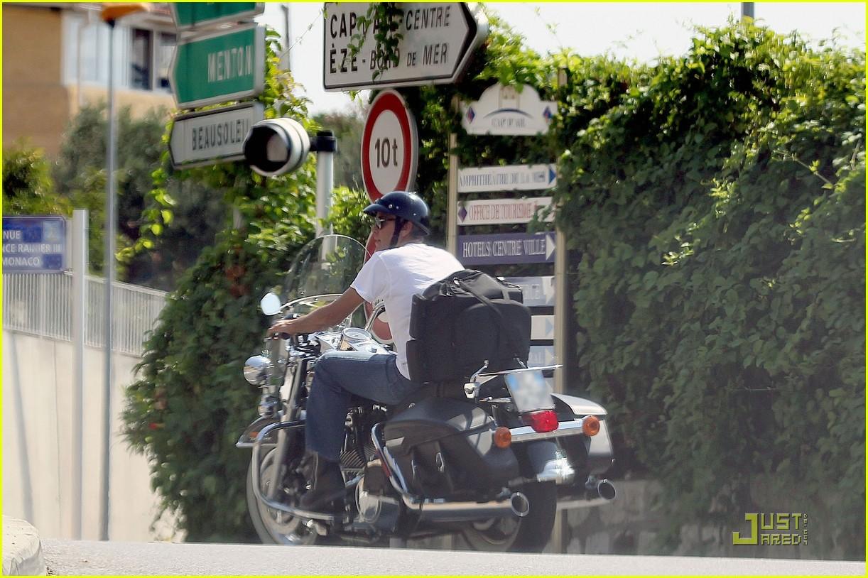 george clooney bono motorcycles 03