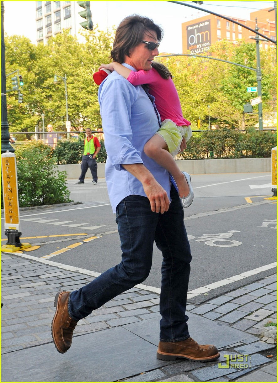 tom cruise suri chelsea piers 02