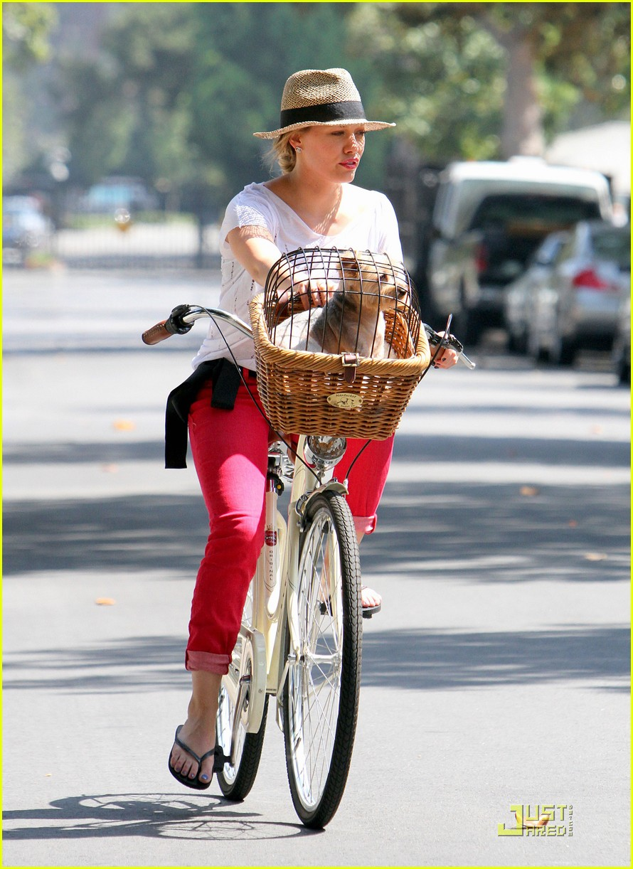 hilary duff mike bikes 01