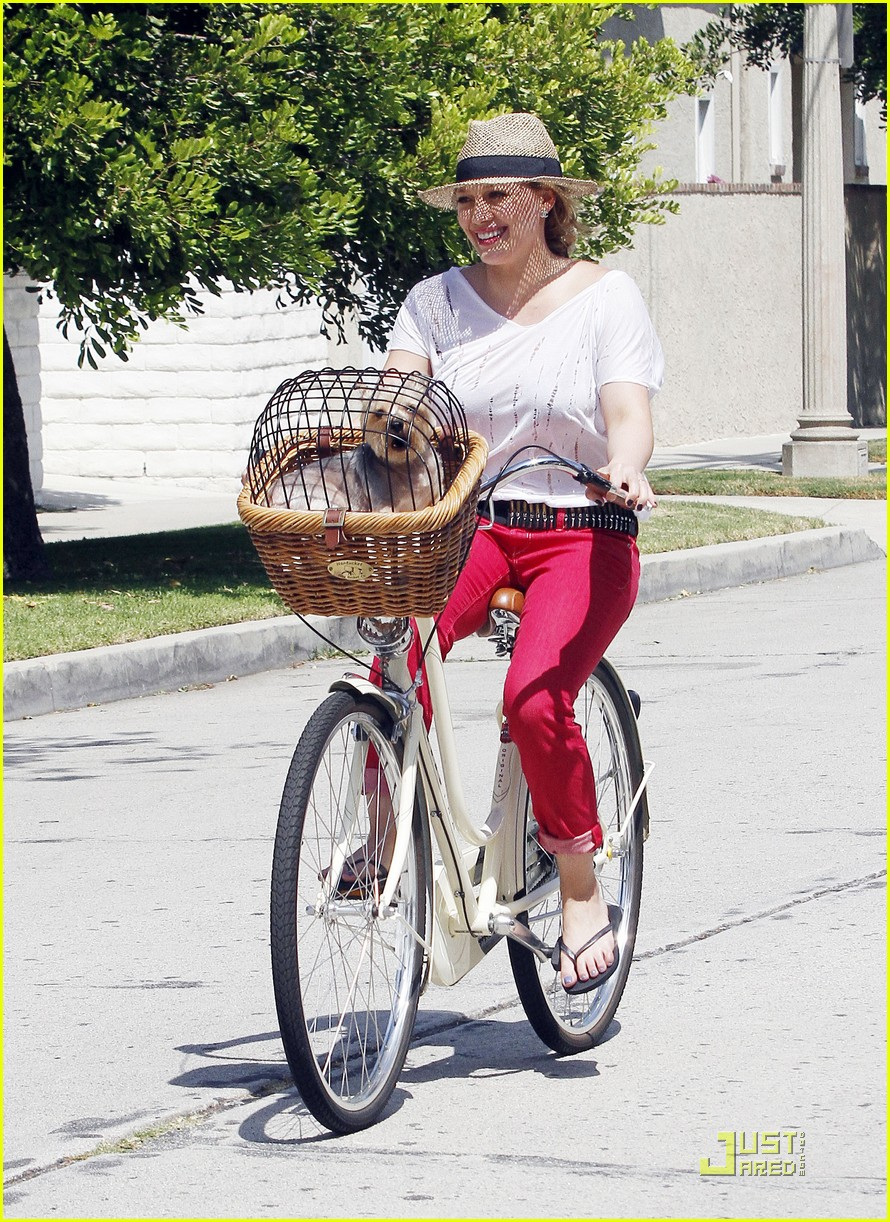 hilary duff mike bikes 09
