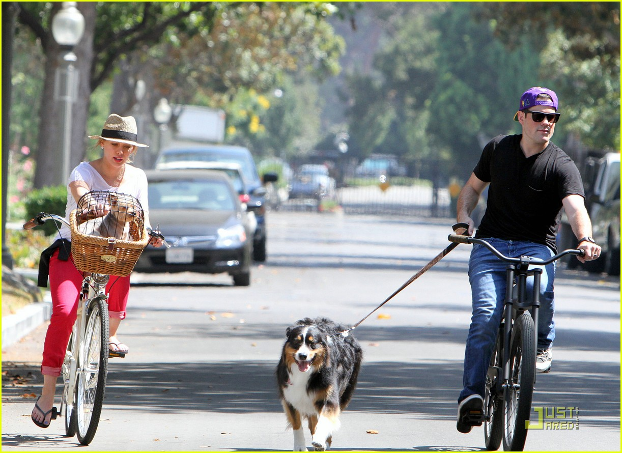 hilary duff mike bikes 15
