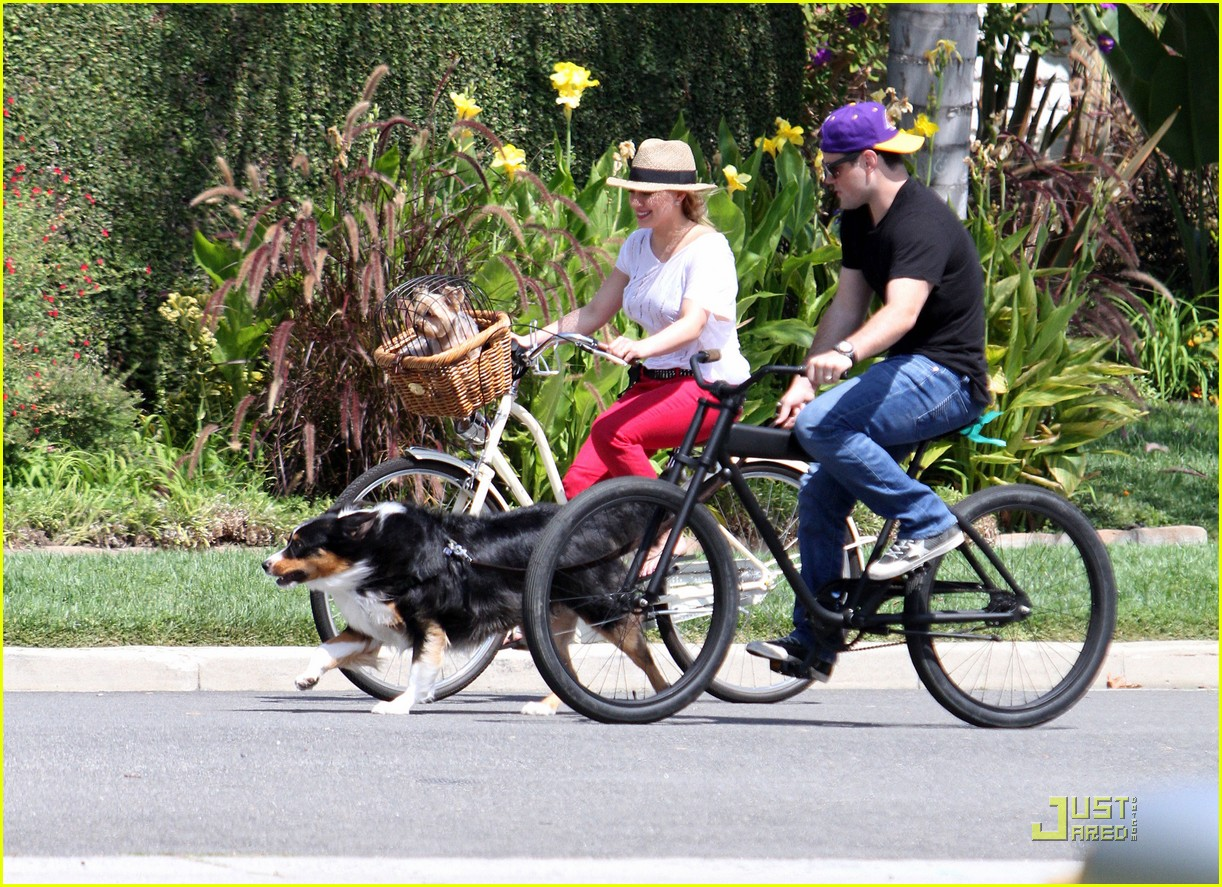 hilary duff mike bikes 16