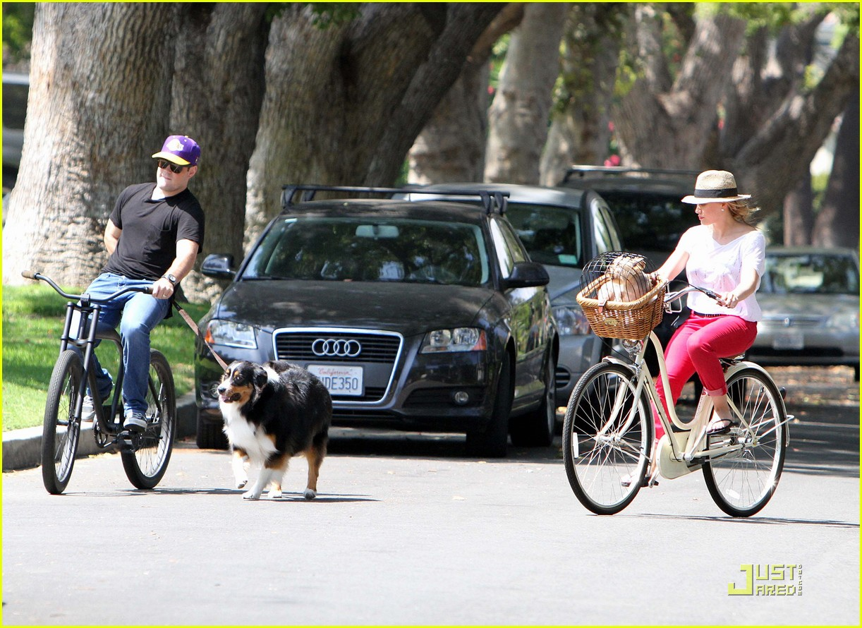 hilary duff mike bikes 182569932