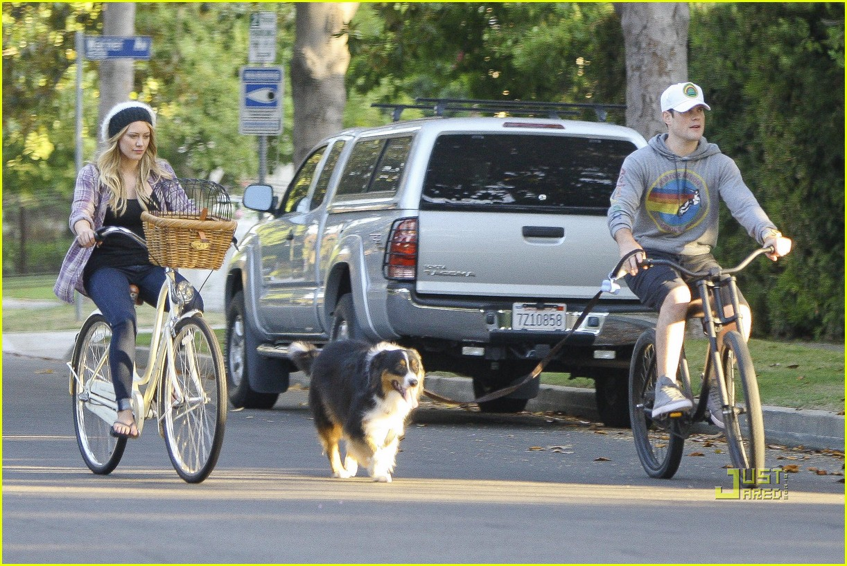 hilary duff bike 102569298