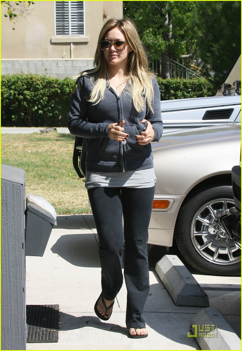 hilary duff work out 01