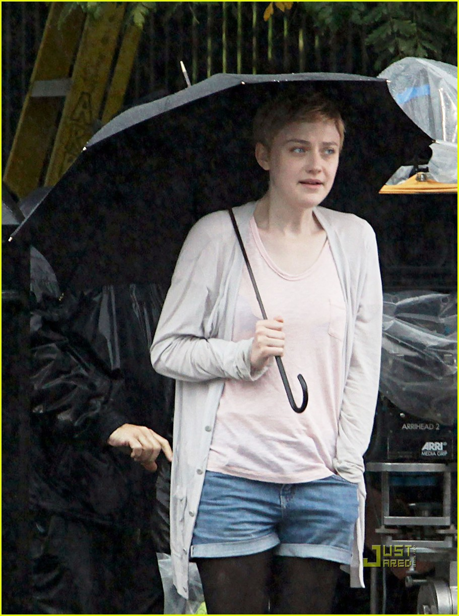 dakota fanning now is good 02