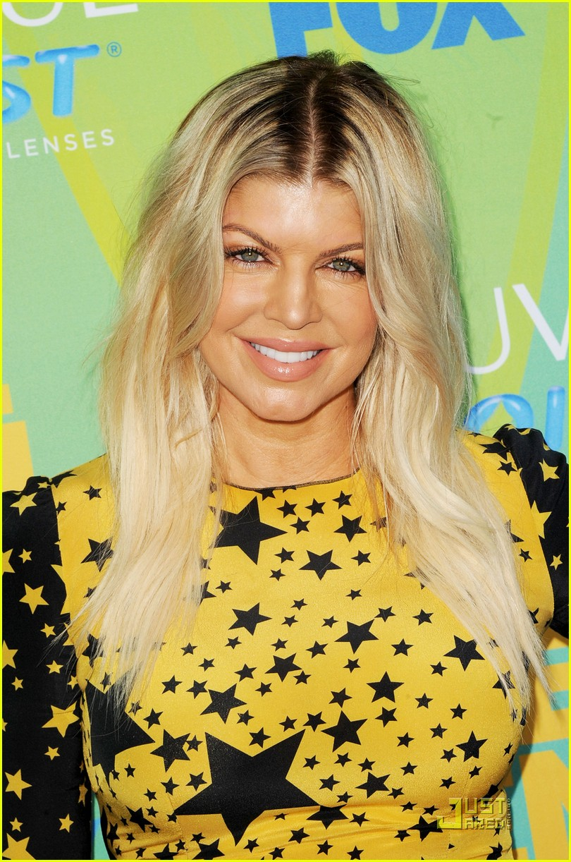 fergie teen choice awards with the black eyed peas 02