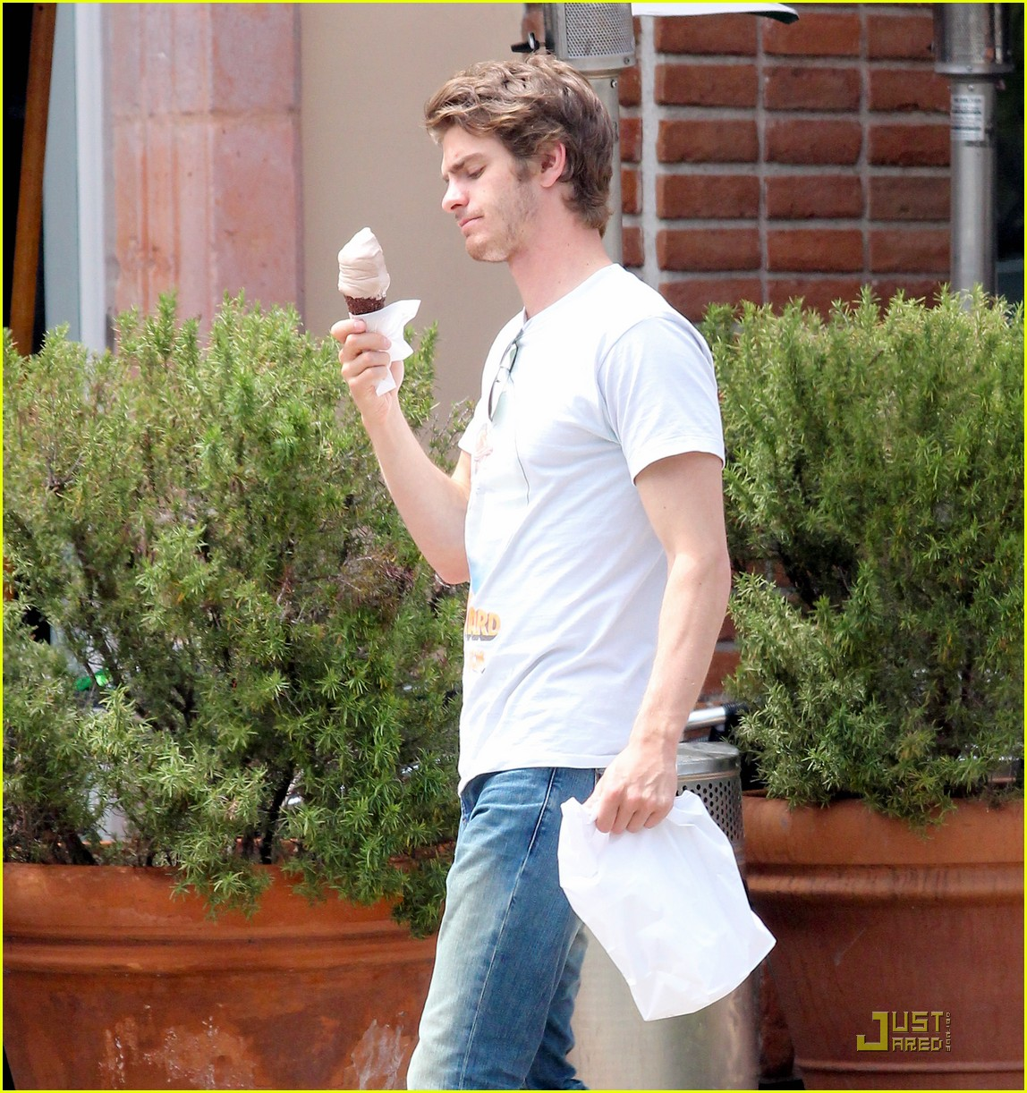 andrew garfield ice cream 16