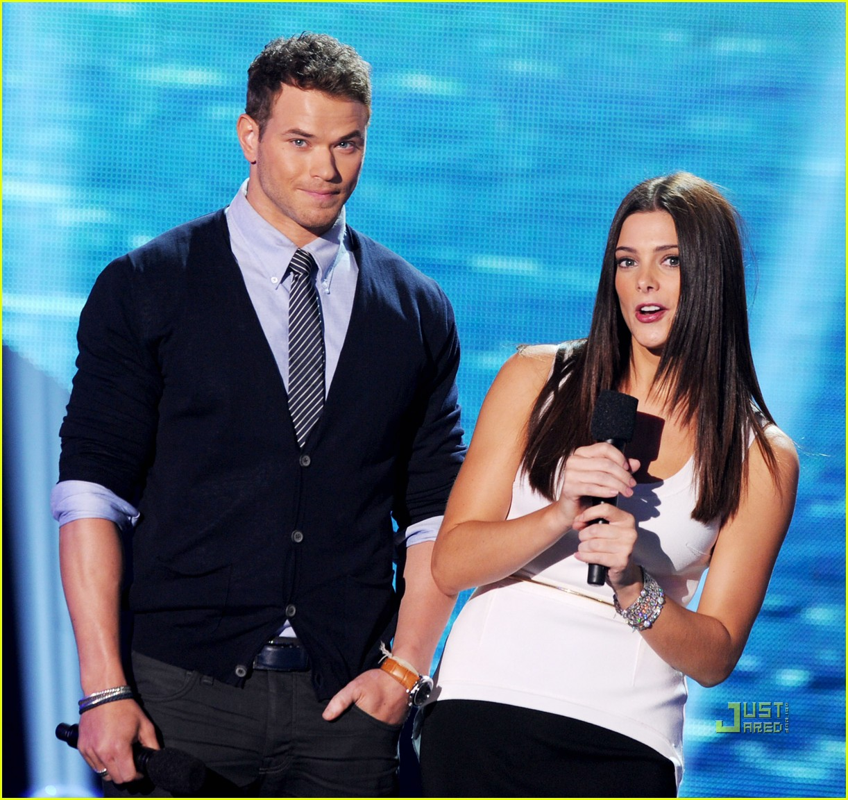 ashley greene teen choice awards kellan lutz 03