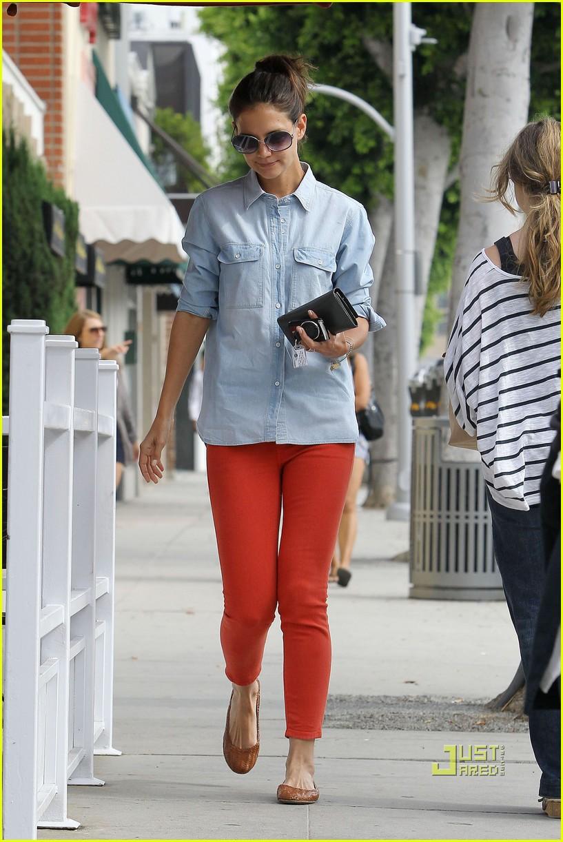 katie holmes orange pants 16