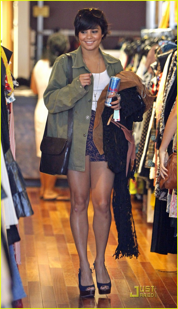 Vanessa Hudgens Urban Outfitters With Sister Stella