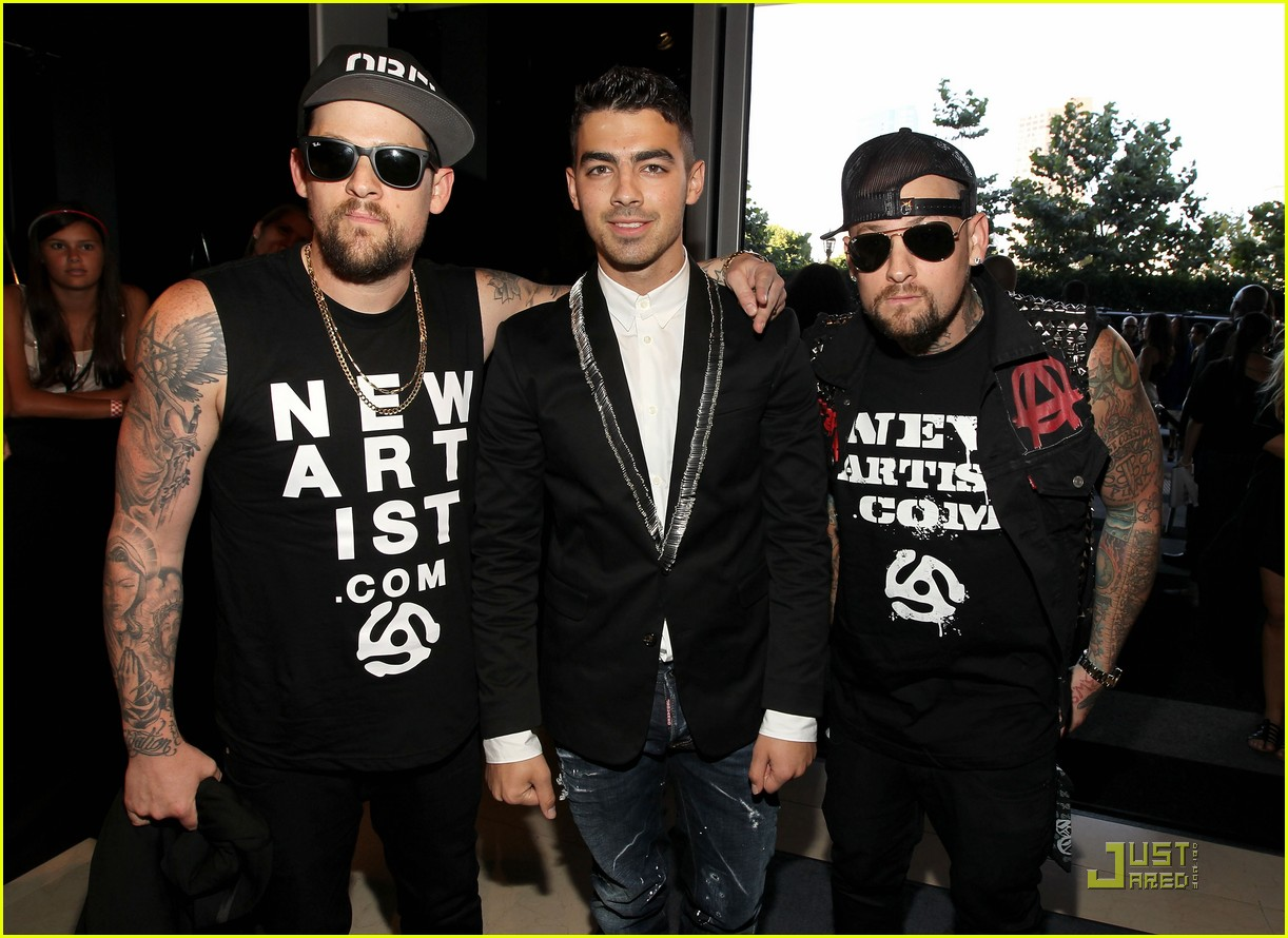 joe jonas mtv vmas madden brothers 01