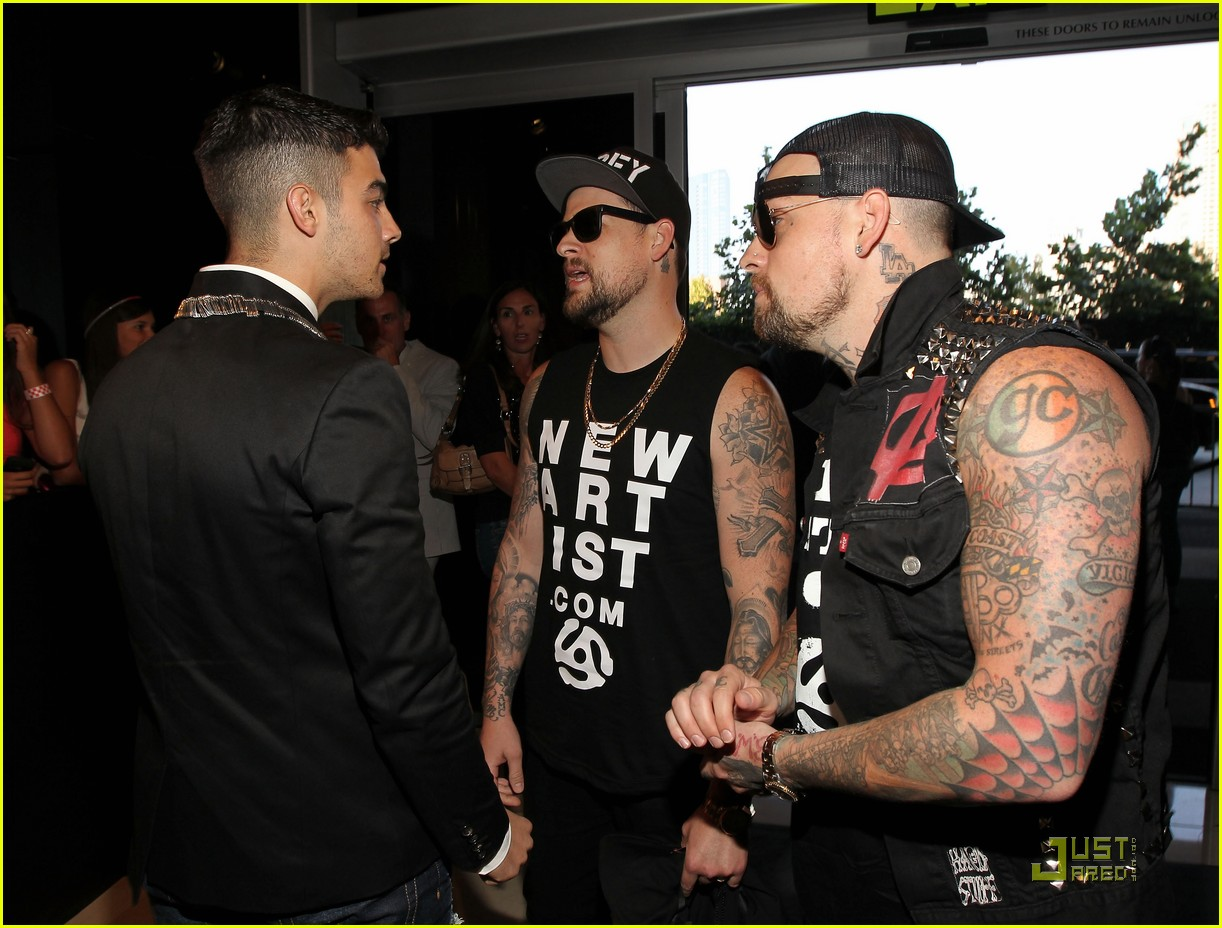 joe jonas mtv vmas madden brothers 04
