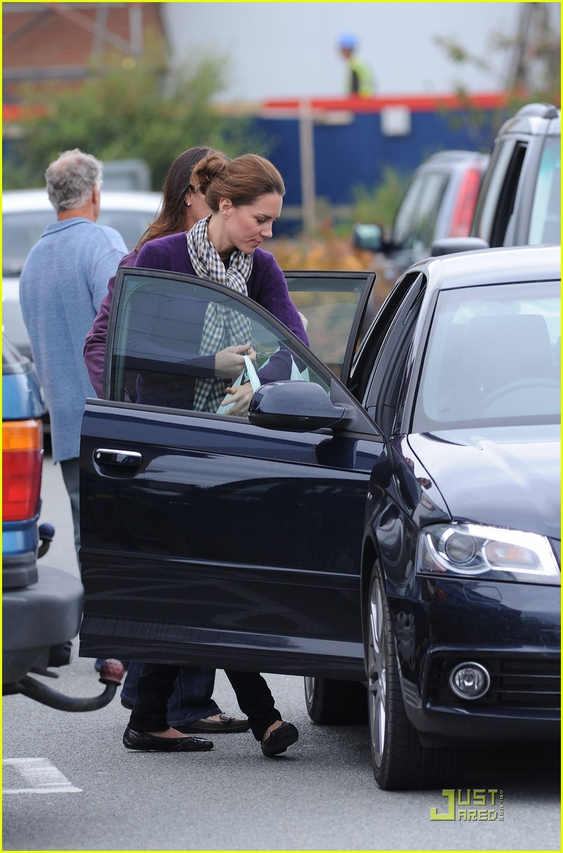 kate middleton wilkinson shopping 01