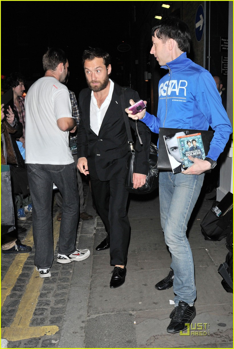 jude law autographs london 022569971