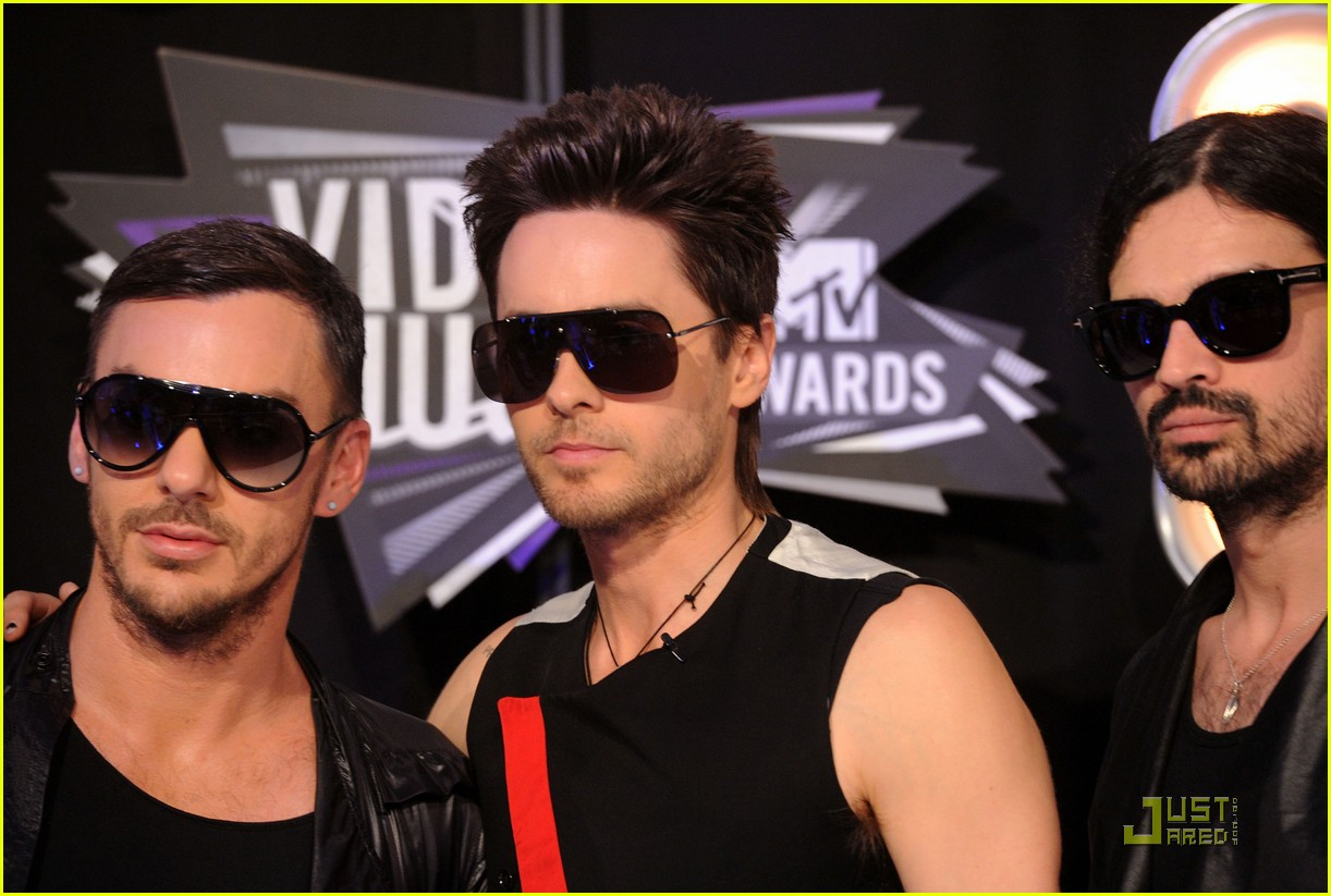 jared leto mtv vmas 2011 with 30 seconds to mars 09