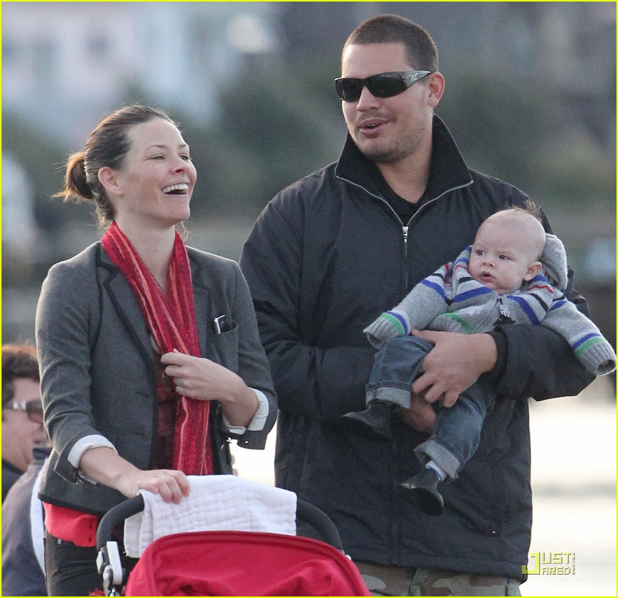 evangeline lilly norman baby 01