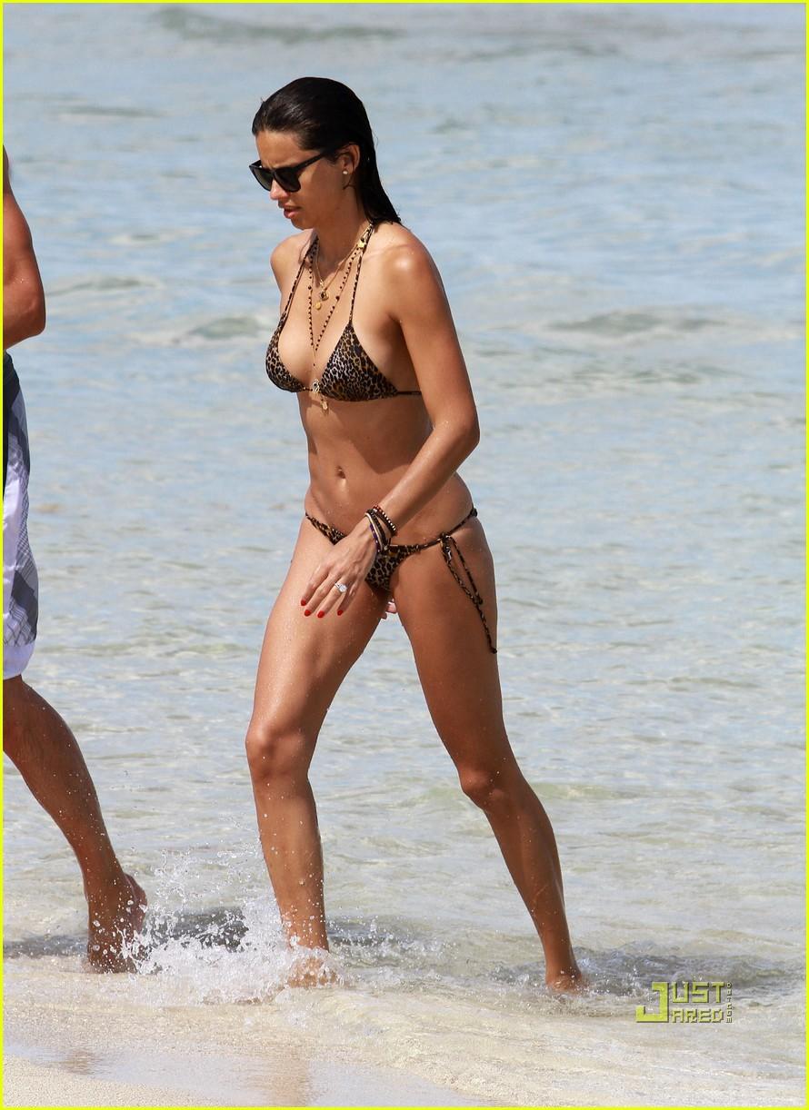 adriana lima bikini 13