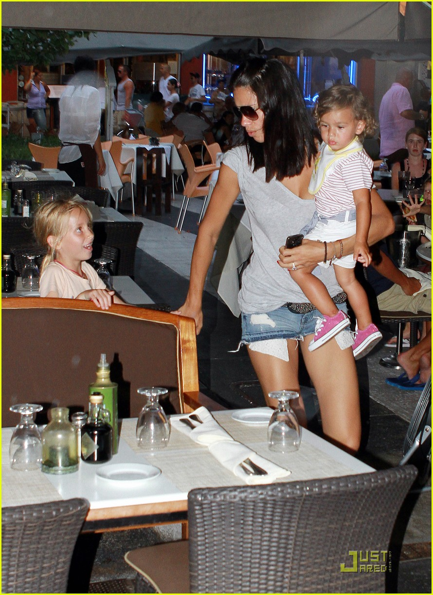 adriana lima family fun in miami 02