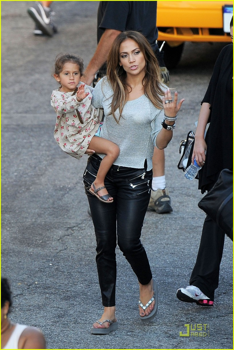 jennifer lopez save leah remini 04