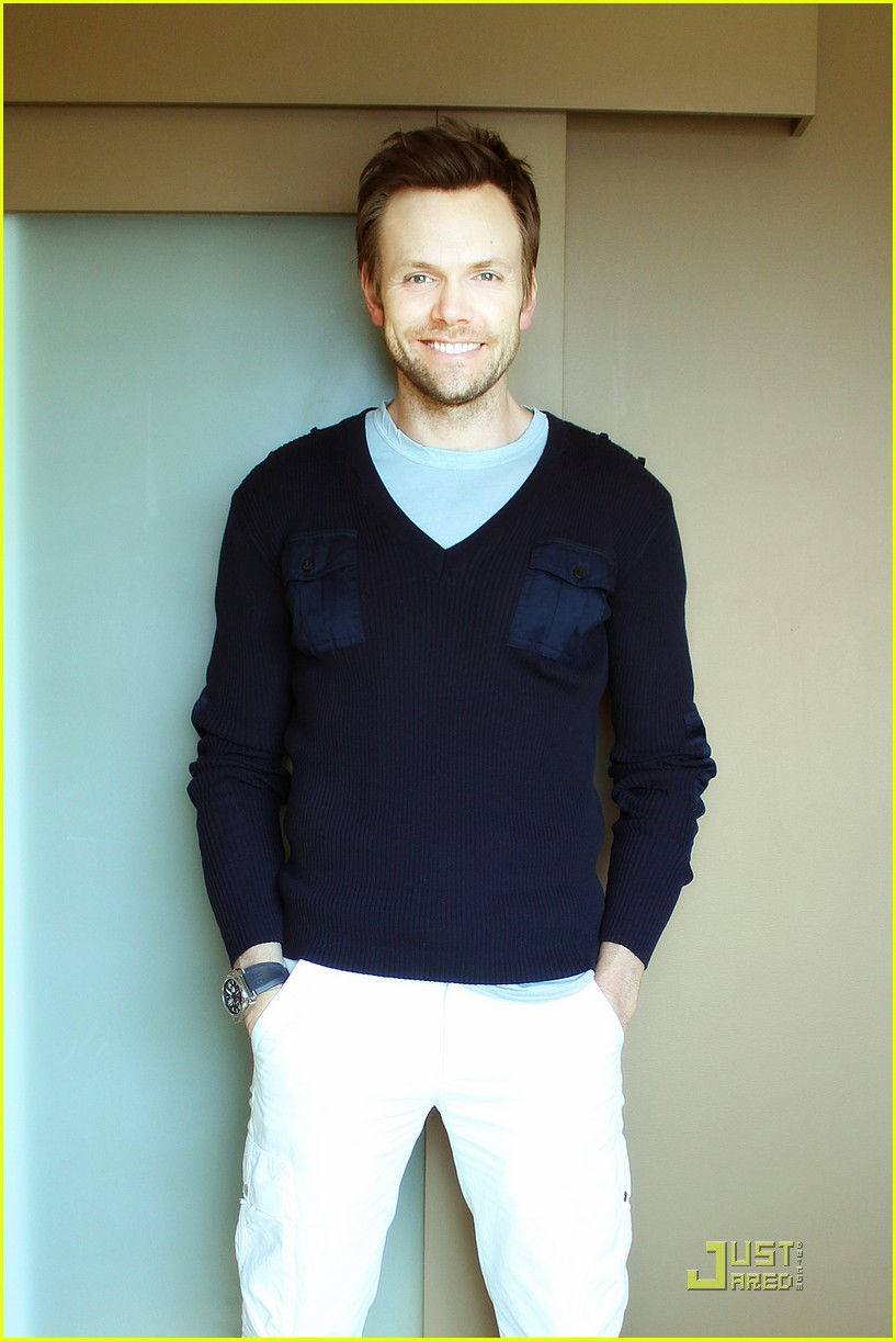 joel mchale justjared exclusive interview 01