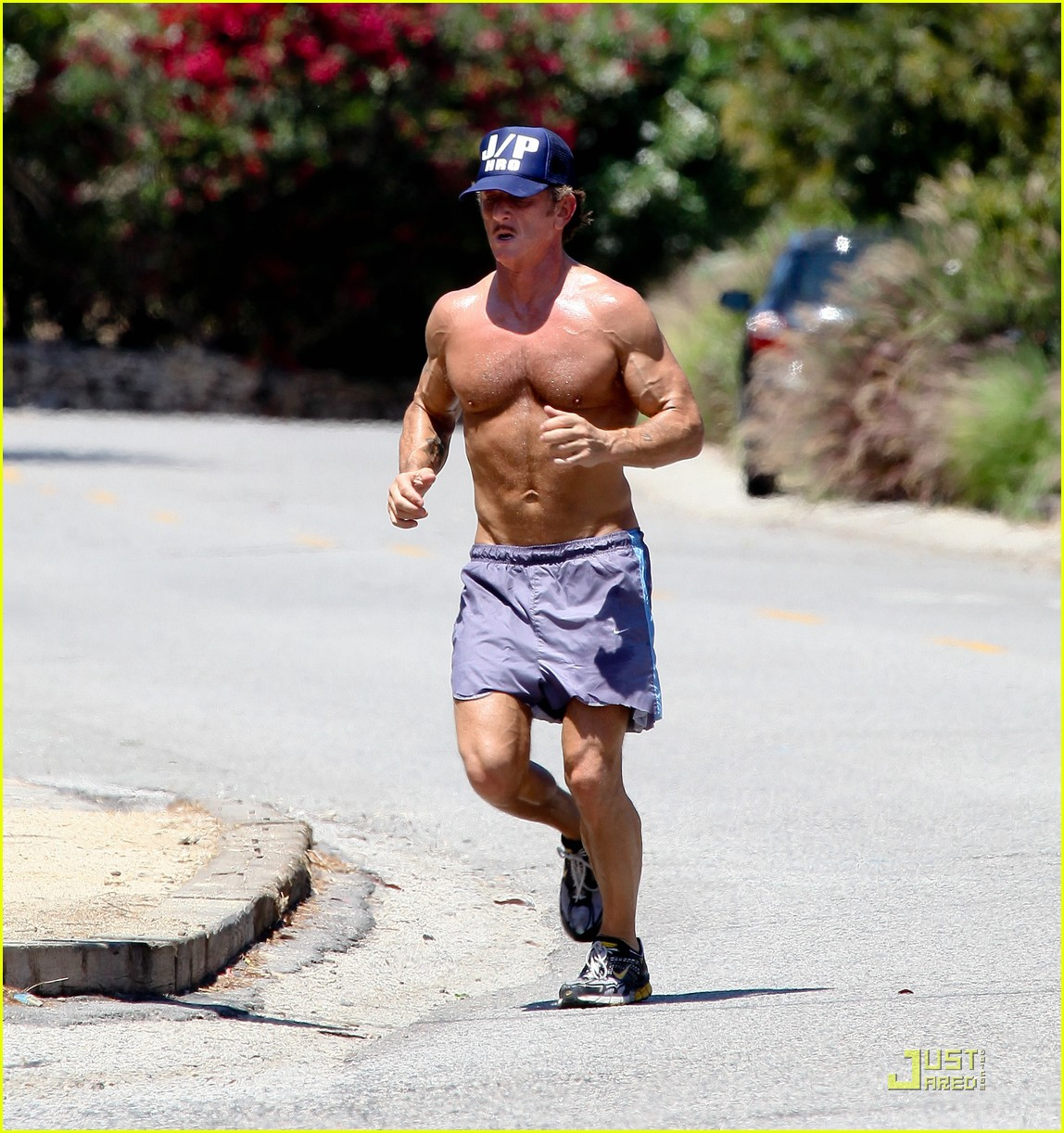 sean penn shirtless jogging with shannon costello 07