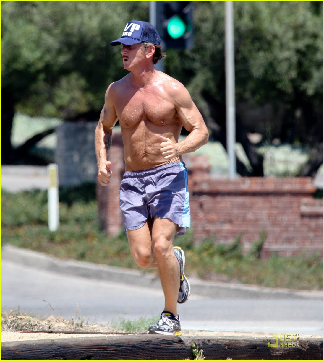 sean penn shirtless jogging with shannon costello 182574295