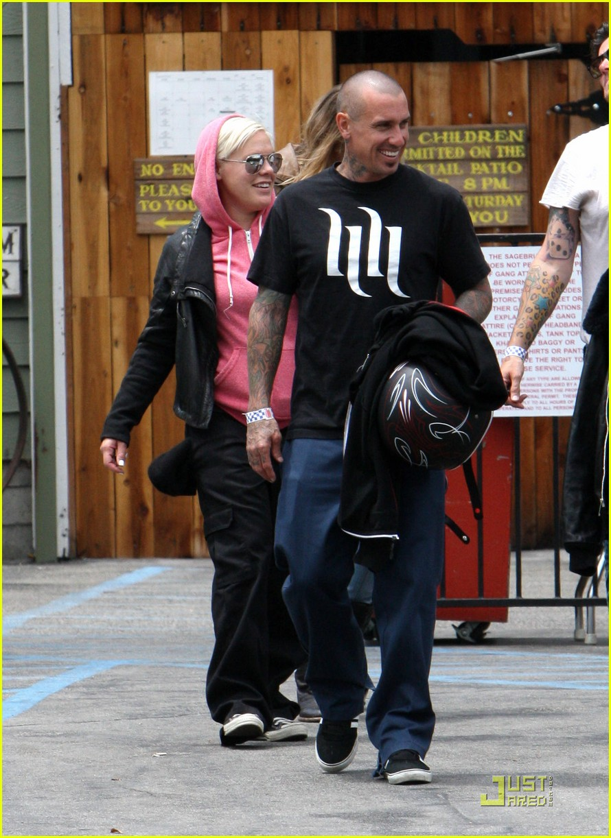 pink carey hart is my hero 06