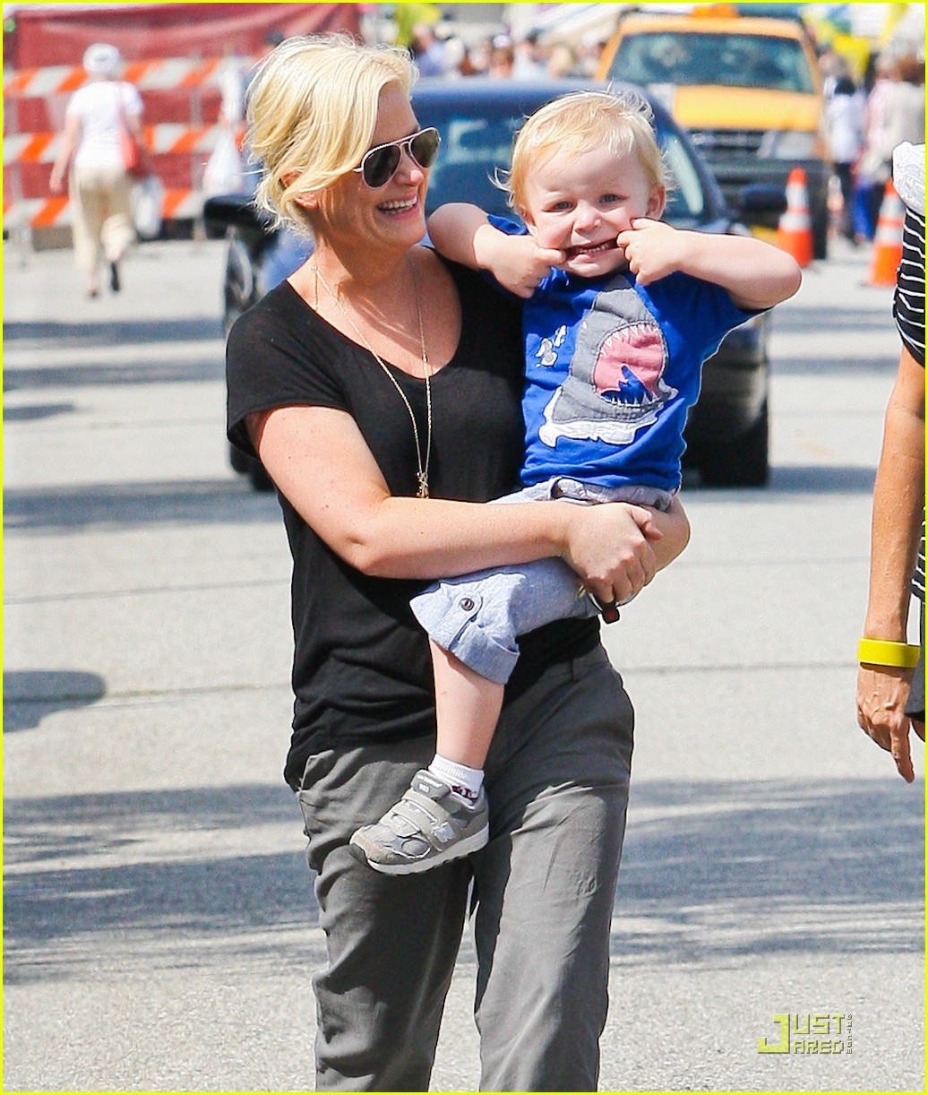 amy poehler funny faces son 03