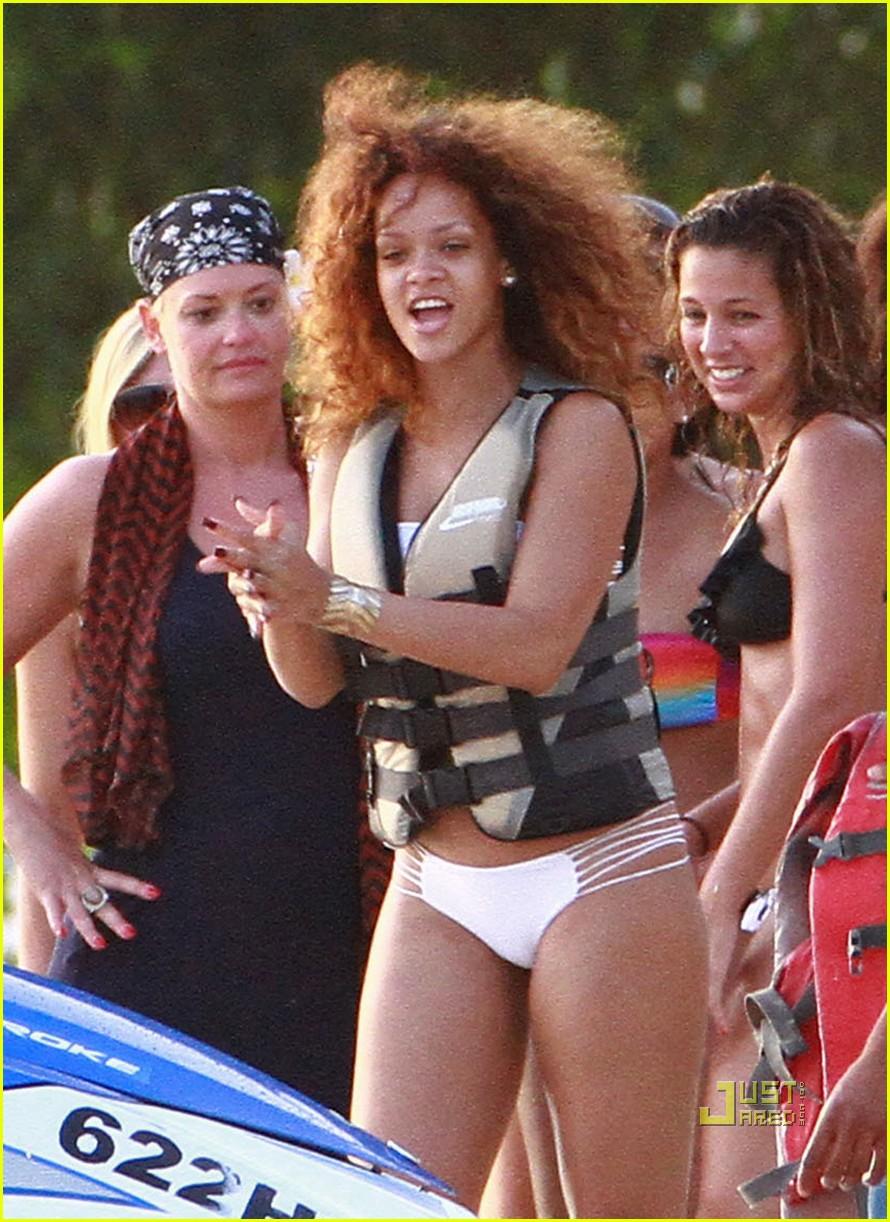 rihanna bikini beach barbados 08