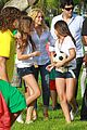 shakira barefoot foundation event with gerard pique 06