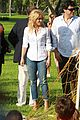 shakira barefoot foundation event with gerard pique 08