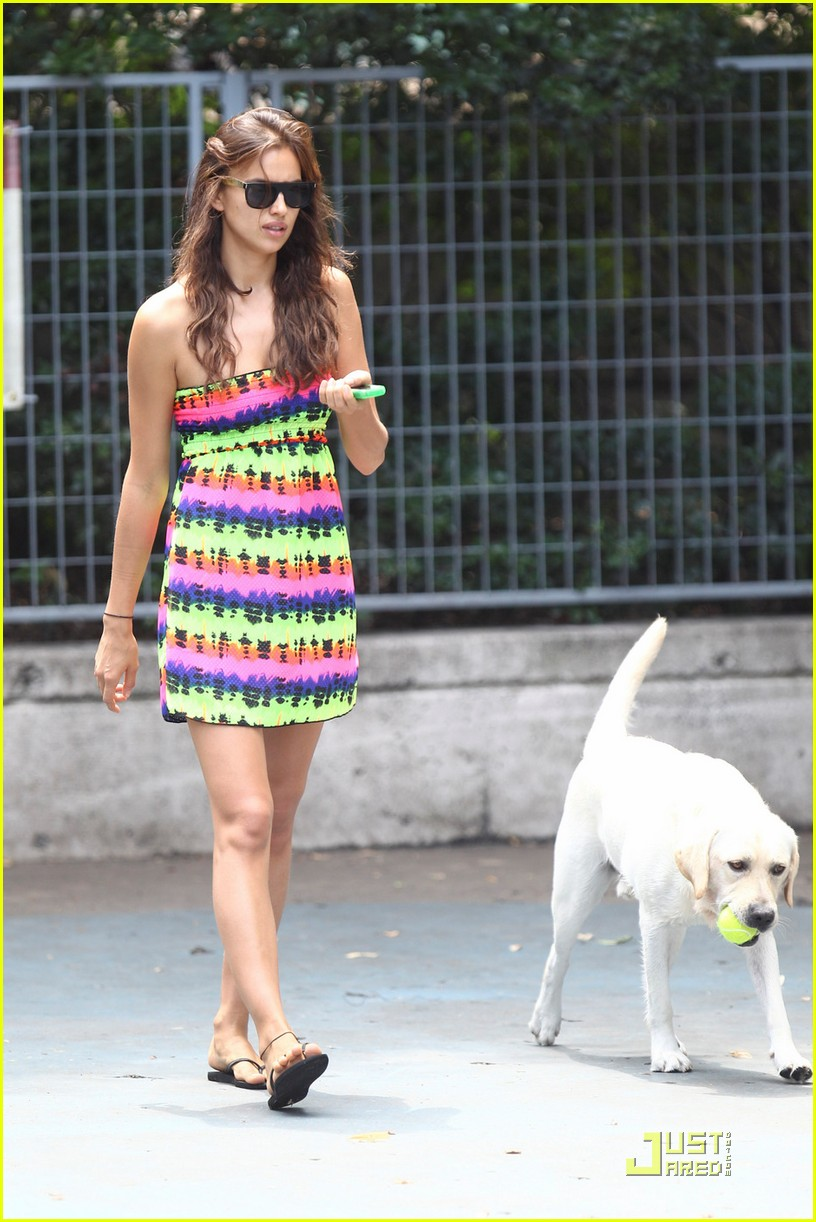 irina shayk dog nyc 072567232