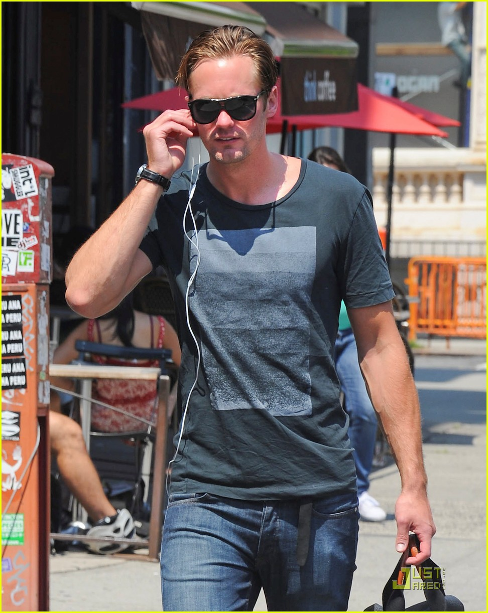 alexander skarsgard fan friendly nyc 062567122