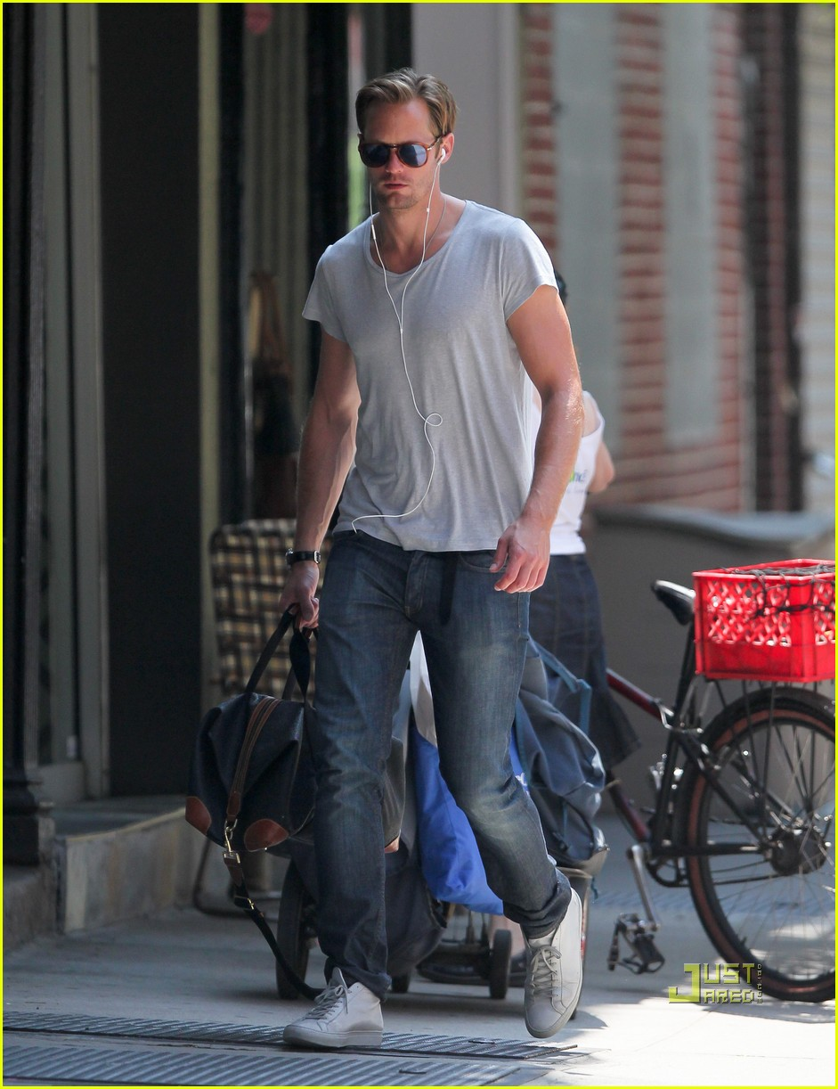 alexander skarsgard grey shirt new york 032568267