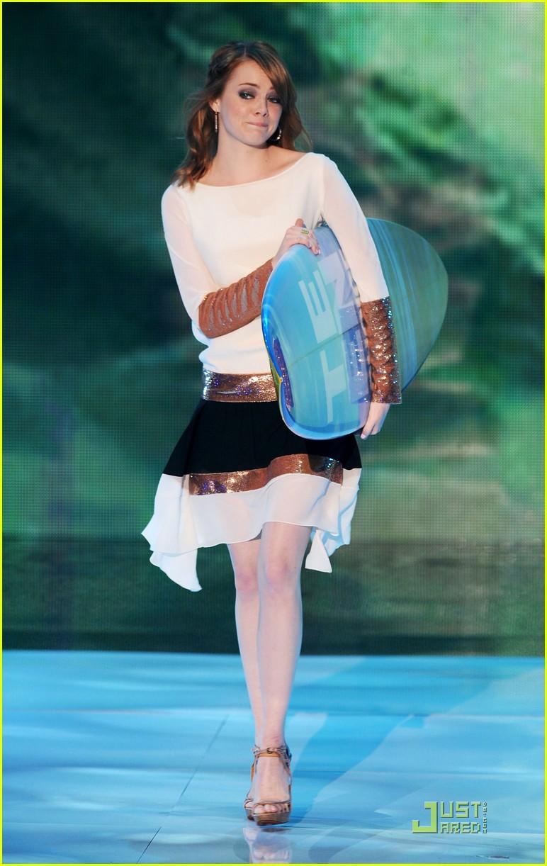 emma stone teen choice awards 2011 presenter 01