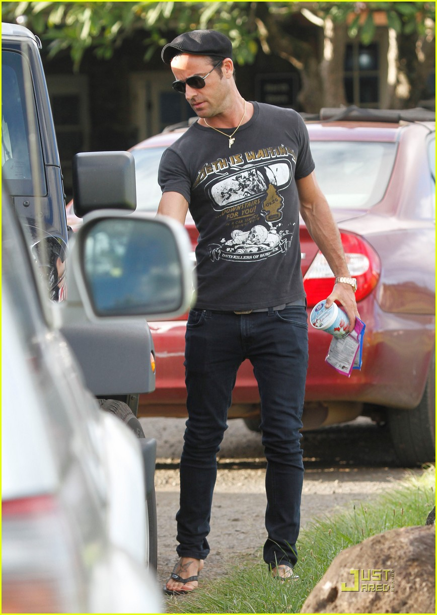 justin theroux happy 40th birthday 032568916
