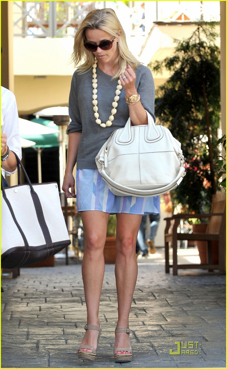 reese witherspoon back in brentwood 092572559