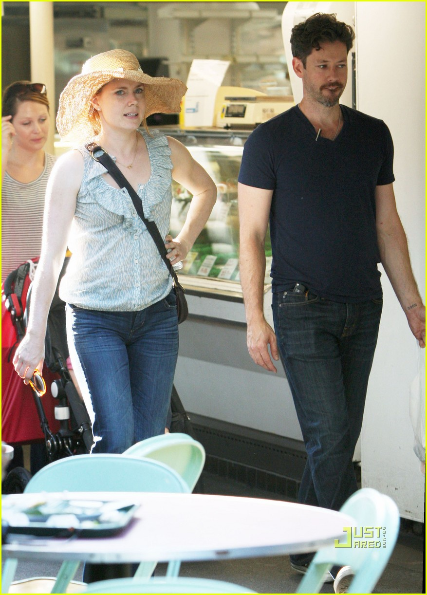 amy adams darren le gallo out shopping 12