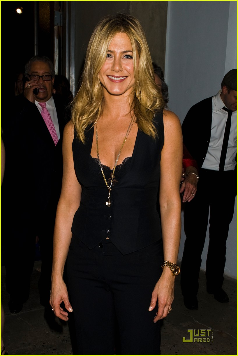 jennifer aniston five screening nyc 00