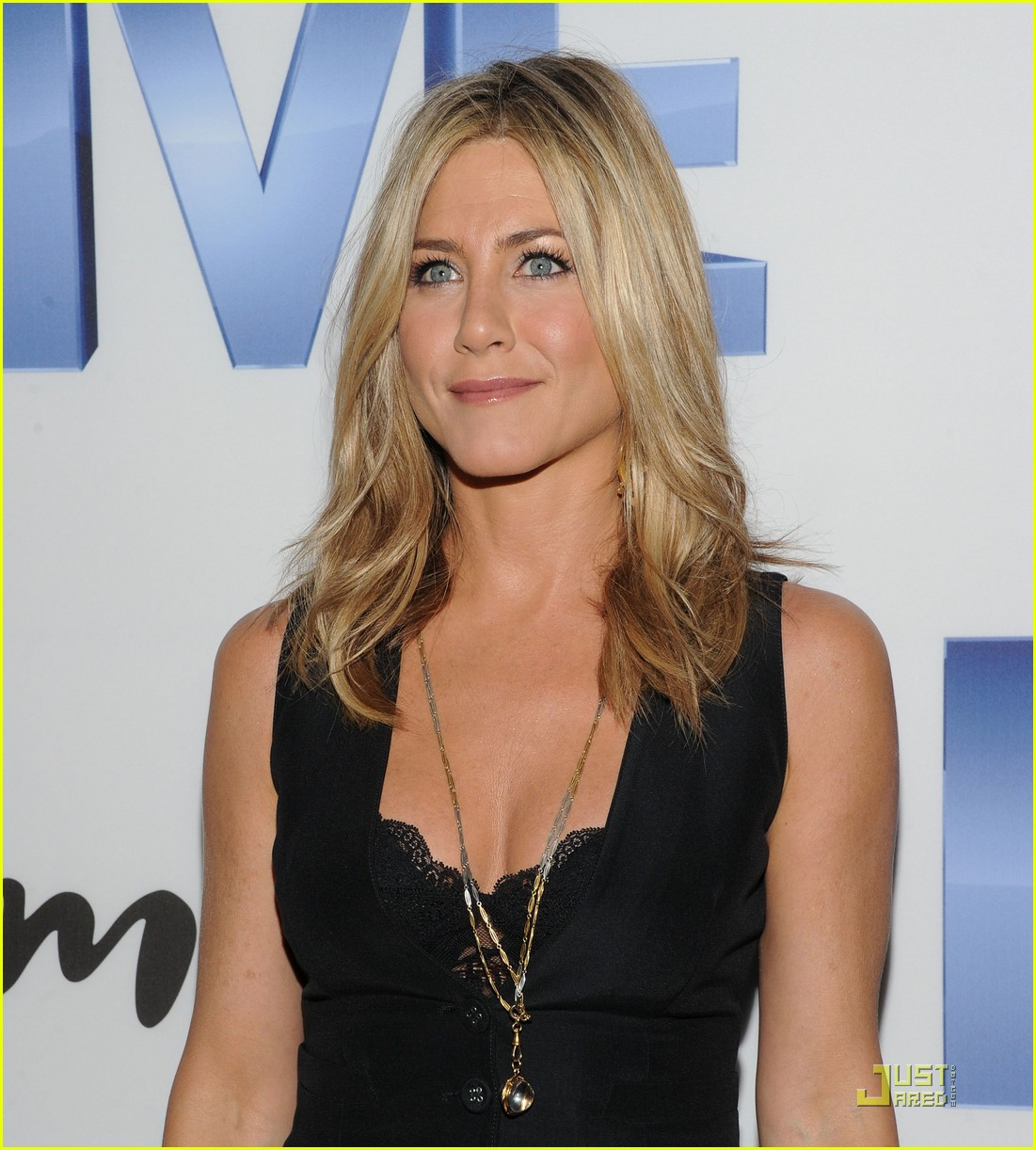 jennifer aniston five screening nyc 05