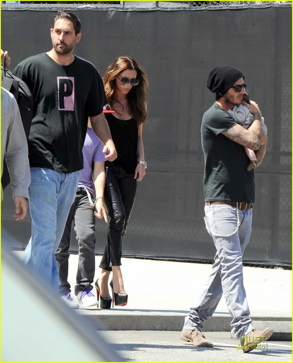 david victoria beckham shopping with harper 01