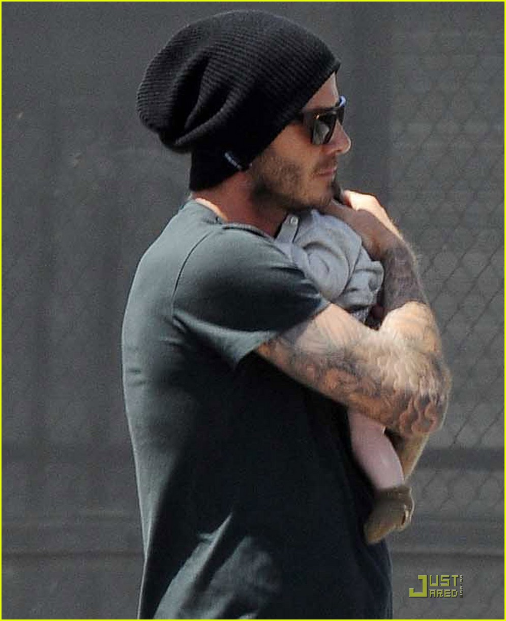 david victoria beckham shopping with harper 04