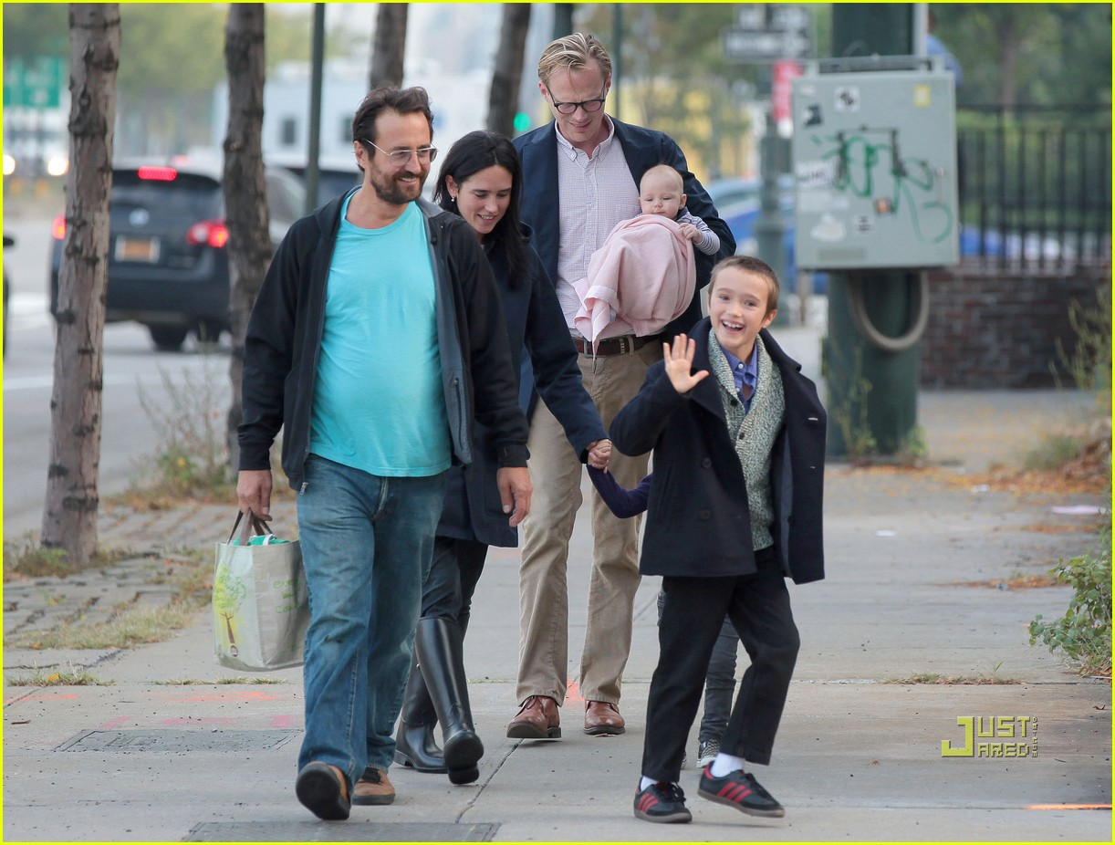 jennifer garner paul bettany kids agnes 032582875