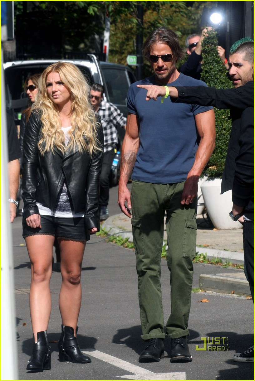 britney spears jason trawick criminal video shoot london 05
