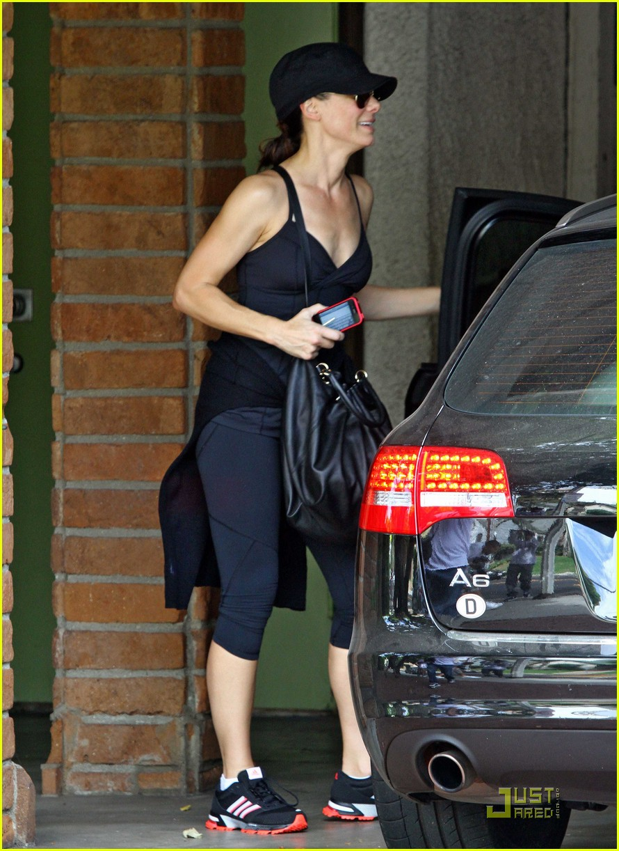 sandra bullock works out 05