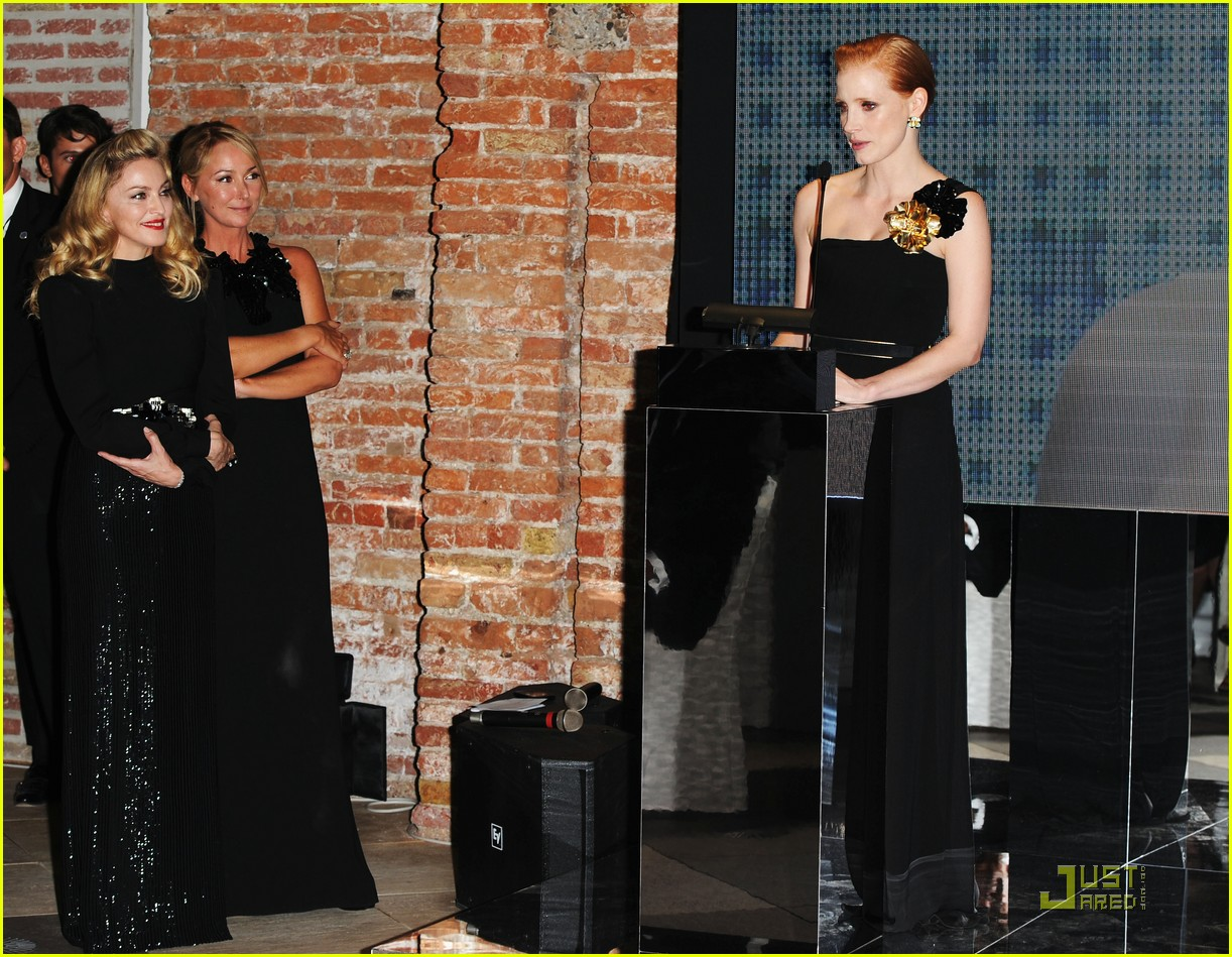 jessica chastain gucci award honoree 02