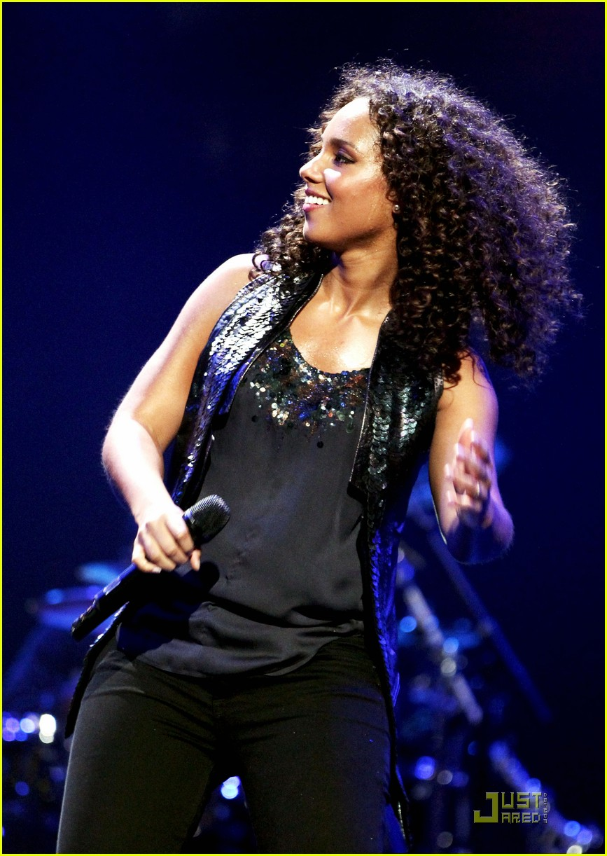 alicia keys coldplay iheartradio 18