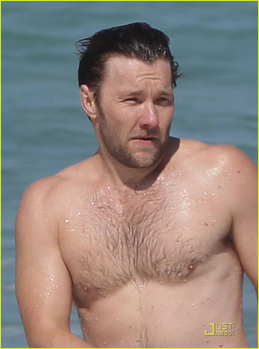 joel edgerton shirtless bondi beach 02